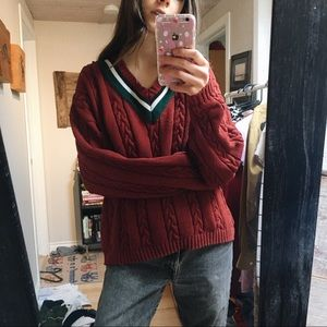 v-neck cable knit sweater // Vintage